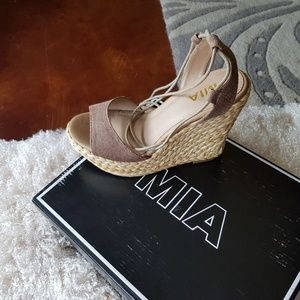 Mia Medali Wedge Shoe